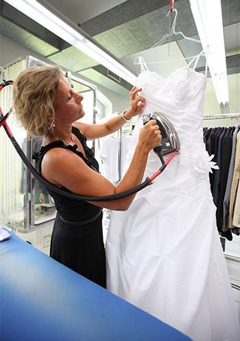 Reinigung vom Hochzeitskleid